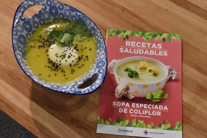 Receta saludable: Sopa especiada de coliflor